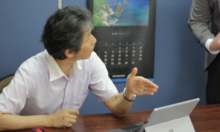 柳田様打ち合わせ中の画像